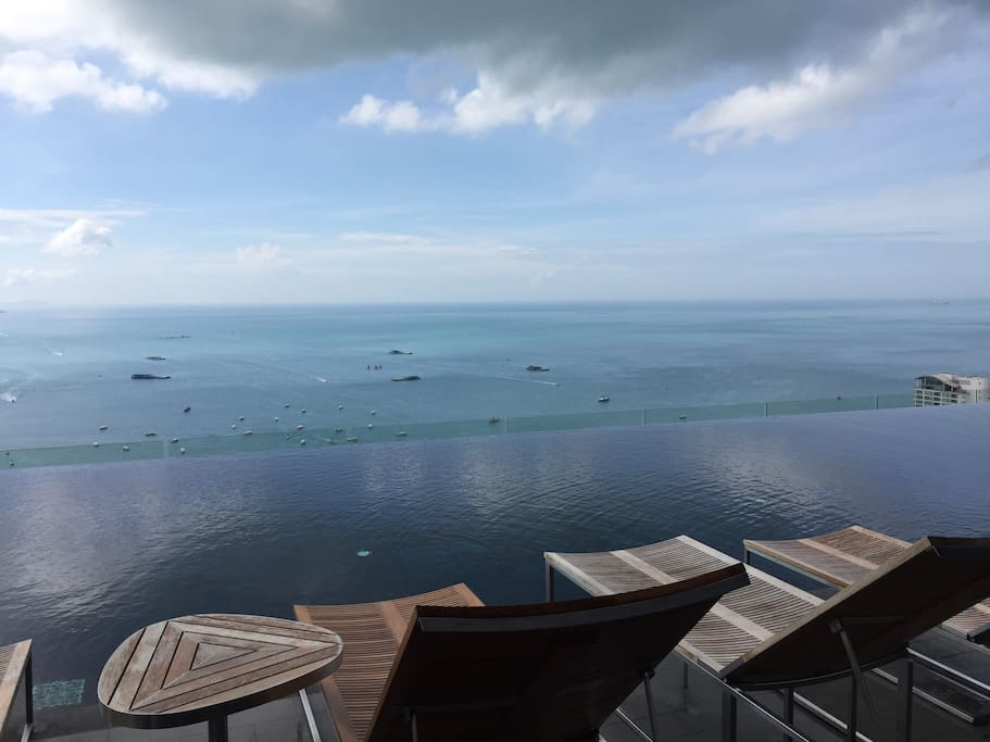Root top swimming pool with great sea view, the highest swimming pool in pattaya