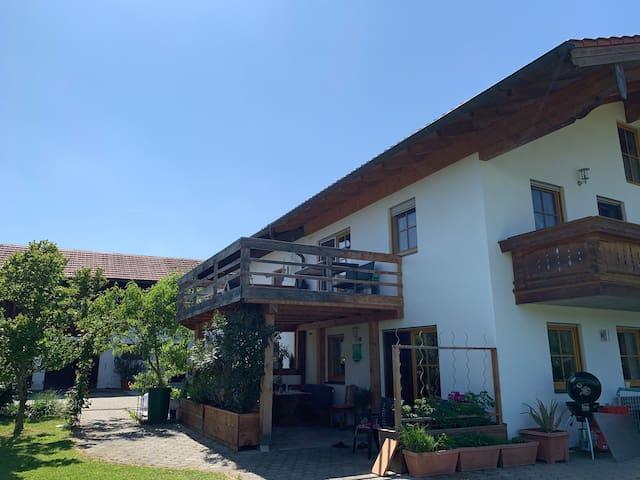 Wohnung mit Bergblick, 50qm für 3Personen, Taching