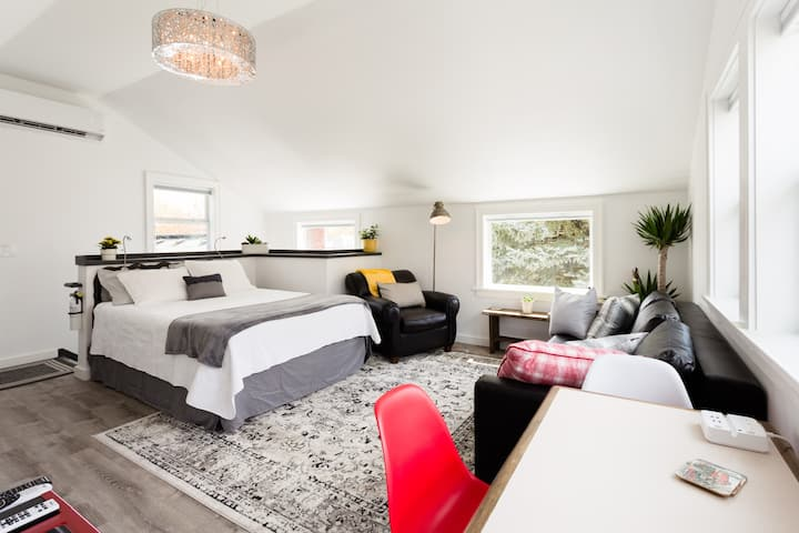 Garden Guesthouse -  Newly Built in SE Division