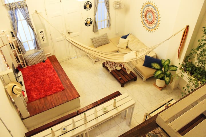 Dosha's Loft - stay in the Historical Center
