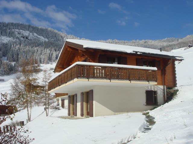 Chalet Hirondelle- silence and tranquillity - Levron