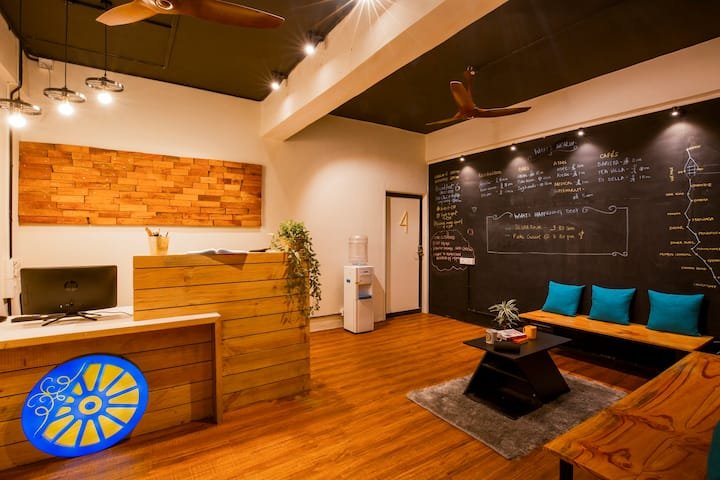 Premium Private Room in Locomo Hostel, Mumbai