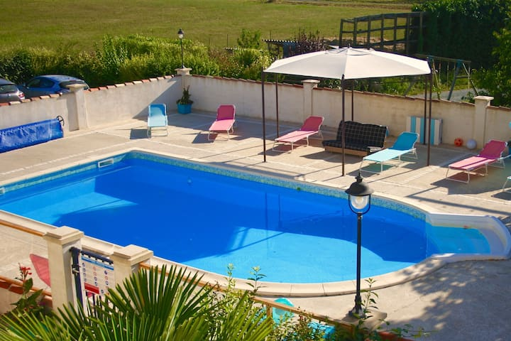 Kids friendly rental for 10 p. - Fléac-sur-Seugne - Huis