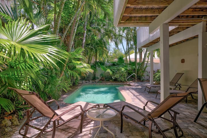 Lovely Tropical Retreat ~ Beach Please! Anna Maria