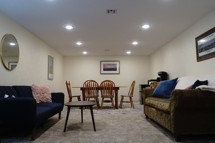 ★Spacious New Remodel 2BR Apt★ Thoroughly Cleaned!