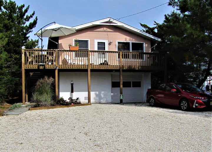 Pet friendly beach house with Game Room!