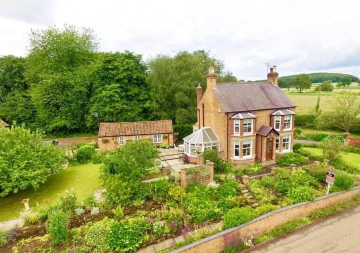 1 bed garden annexe in an idyllic rural location