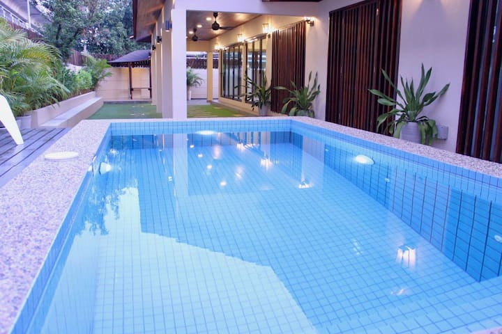 Villa home with dipping pool in central location