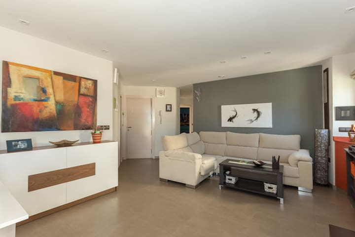 Luxury apartment in first beach line. - Almuñécar - Huis