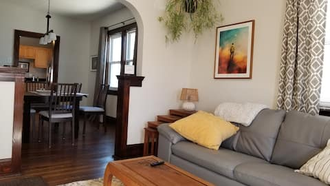Cozy and Decked-Out 3 BR / 2 BA House in Tremont