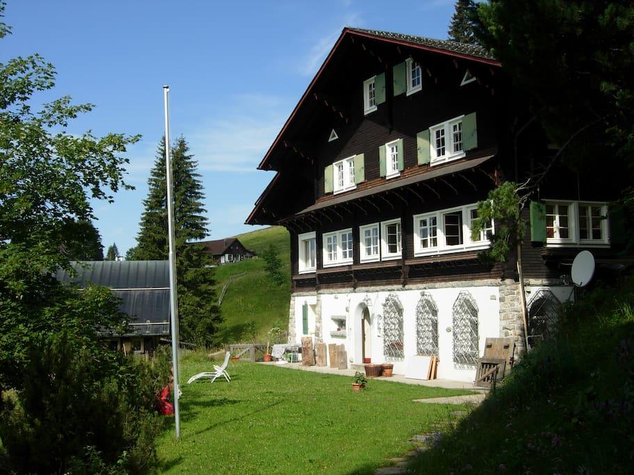 Ferienwohnung im typischen schweizer Chalet