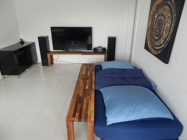 1 Zimmer-Wohnung mit grossem Balkon - Kreuzlingen - Apartamento