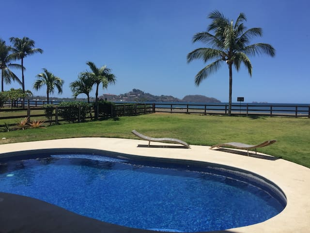 Beach Front Penthouse! Best Choice For Holy Week!!