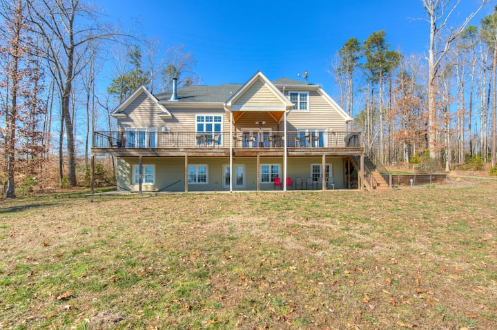 Splendid, dog-friendly, lakefront home w/ a private dock & amazing views