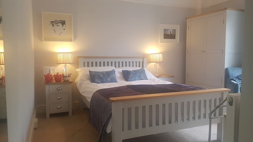 Cosy Room in the Heart of Ilfracombe