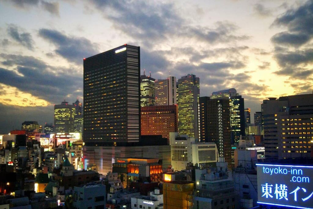 Actuall view of shinjuku sky line from the room