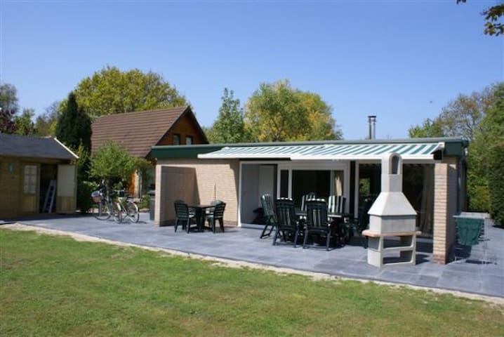Bungalow De Sprong 8 - Renesse