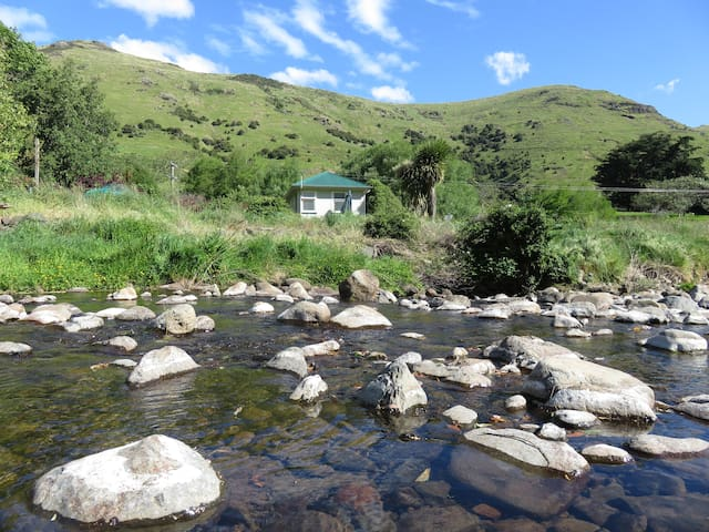 Kaituna cottage -  Private with stream boundary