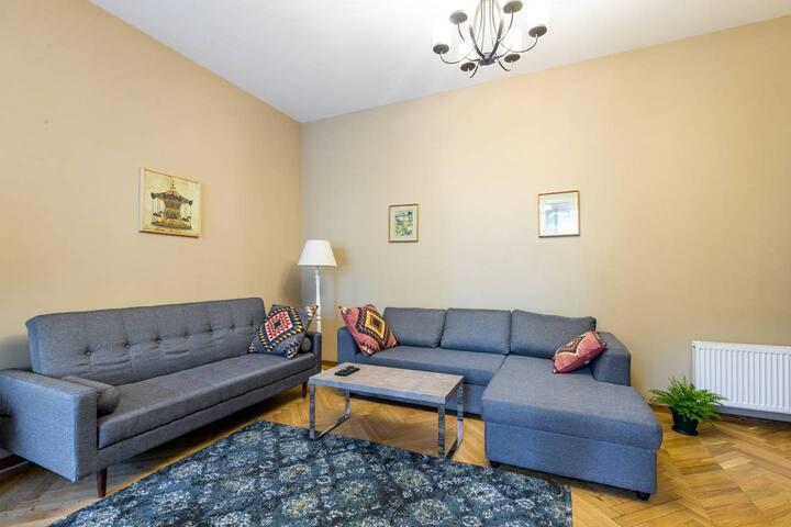 Wehost Apartment On Nikoladze Street