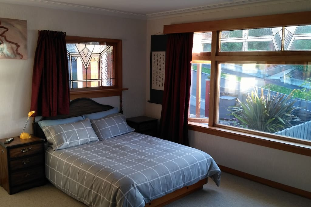 Bedroom A (double bed)