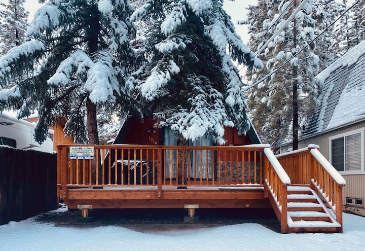 A-Frame Delight - FREE Ski/Snowboard Rental!