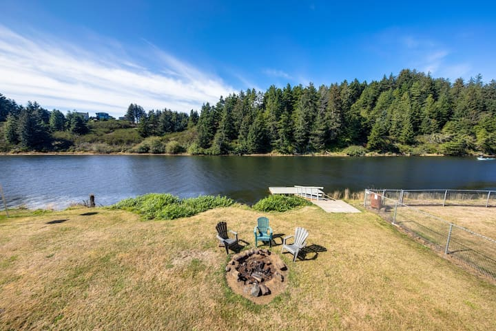 A riverfront cabin close to downtown Pacific City & beach!