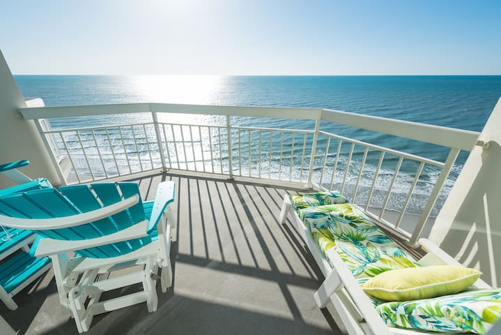 Waters Edge Resort Suite 1510 1BR/2BA Oceanfront