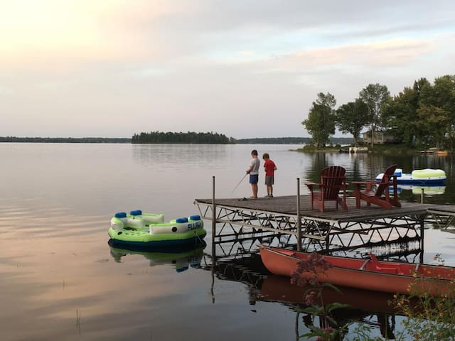 Lanark County Lakefront Cottage