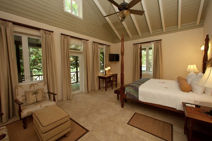 Riverside Suite, Rosalie Bay Resort - Rosalie