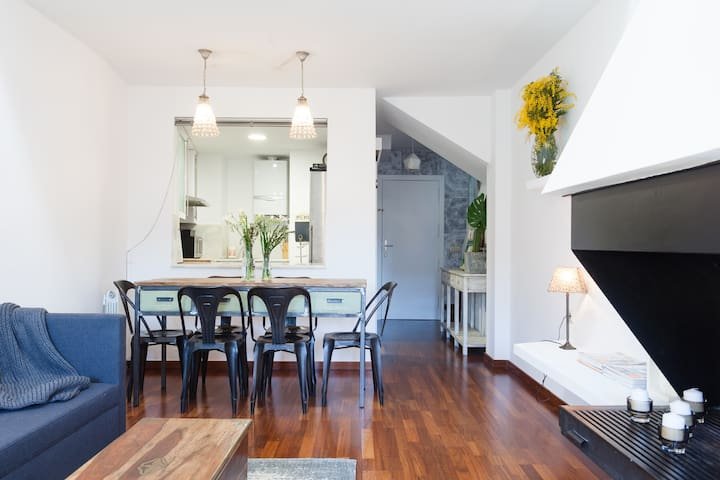 Bright duplex in the old town, Barri Vell - Girona - Wohnung