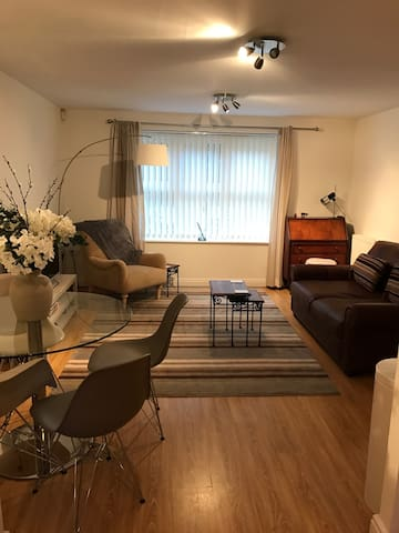 Lovely, South Manchester apartment - Sale - Wohnung