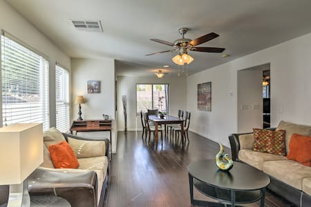 Charming Las Vegas Home by Golf Courses & Casinos!