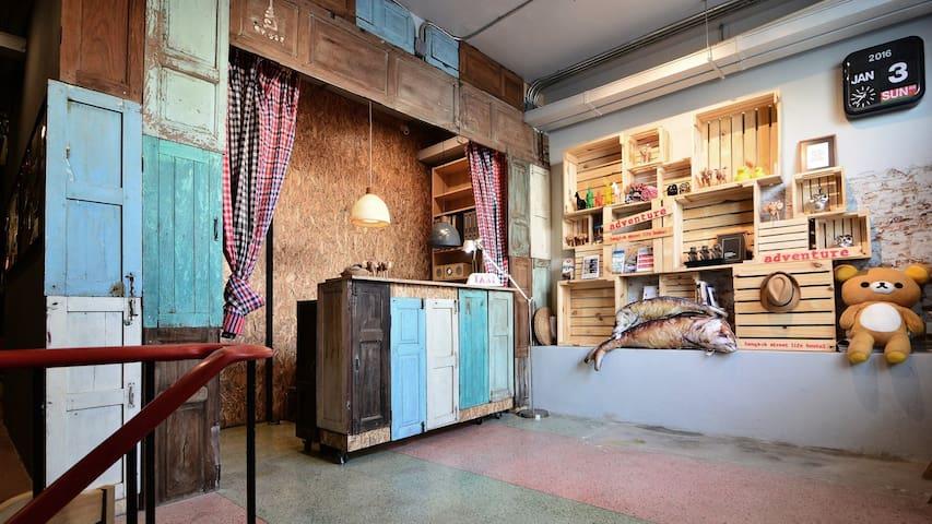 Hostel close BTS/Chatuchak/Wifi-D8