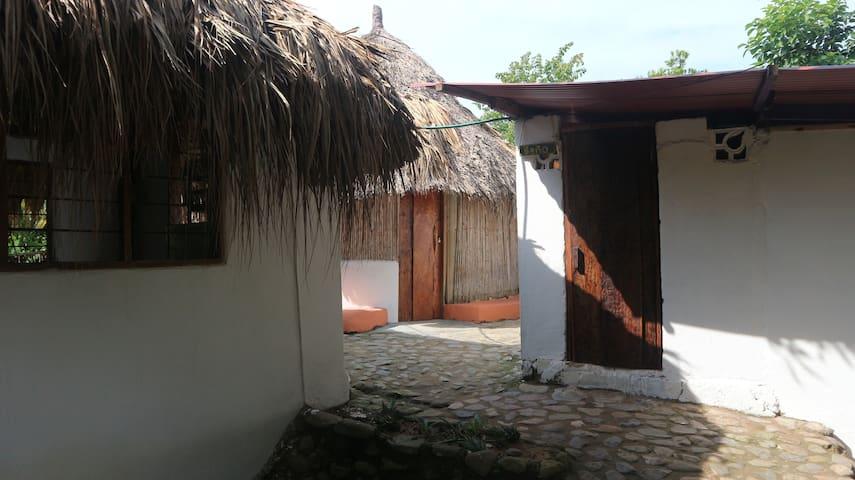 Private Kogi hut, La casa de Salomon, Palomino