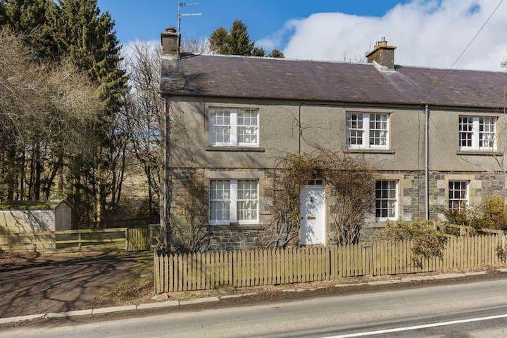 3 Bedroom Cottage  - Ettrick Water, Selkirk
