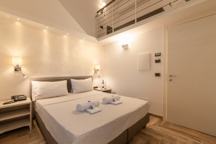 B&B LORENZO DE' MEDICI DREAM'S ROOM + LOFT CENTER!