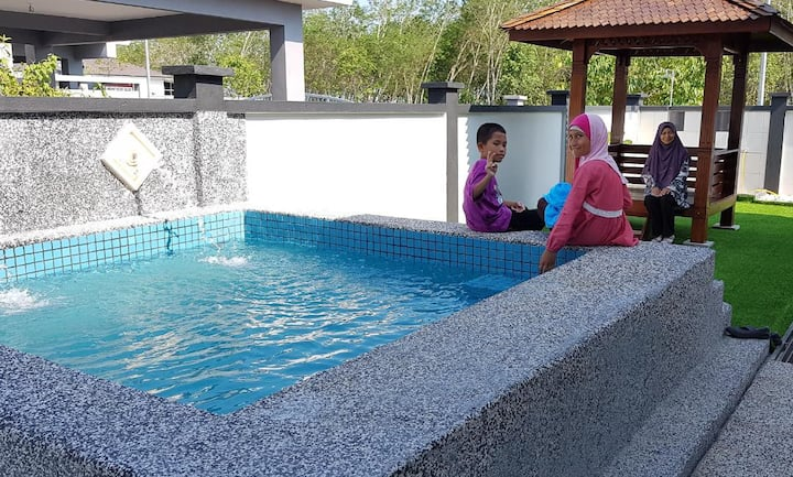 Jauzara Homestay - Swimming Pool