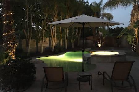 Jungle House - La Quinta - House