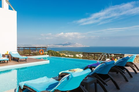 Soukromý bazén★ Výhled na moře ★ BBQ★ 2min jízdy na pláž
