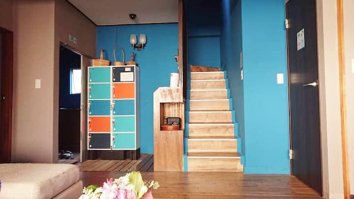 ✿GUEST HOUSE SaKURa✿ 全12ベッド用意《11/12》 1階♬【CAFÉ&BAR】
