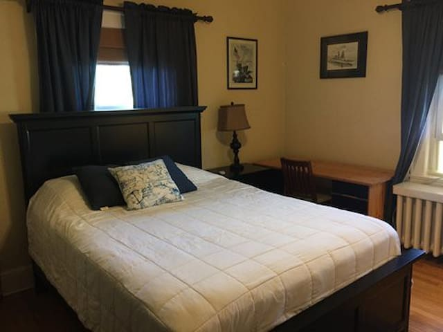 RJB Rooms Patchogue & beaches room1
