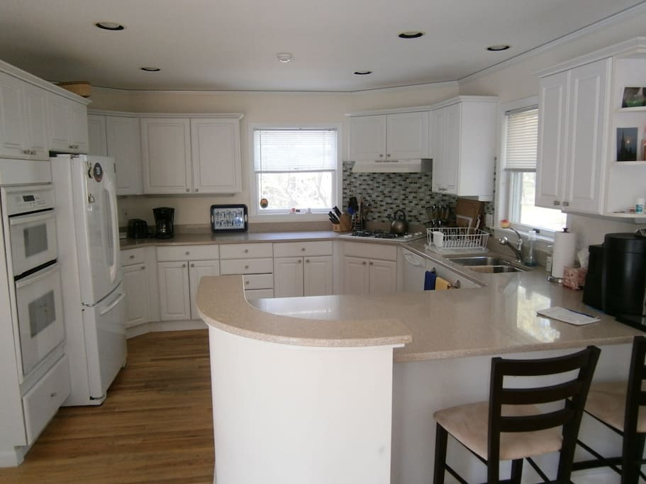 Large open kitchen, excellent for cooking and entertaining