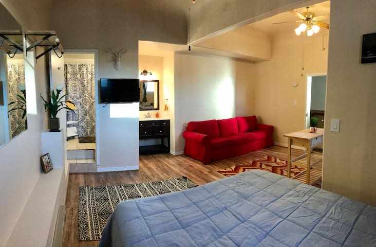 Aspen Apartment in the Heart of Downtown Flagstaff