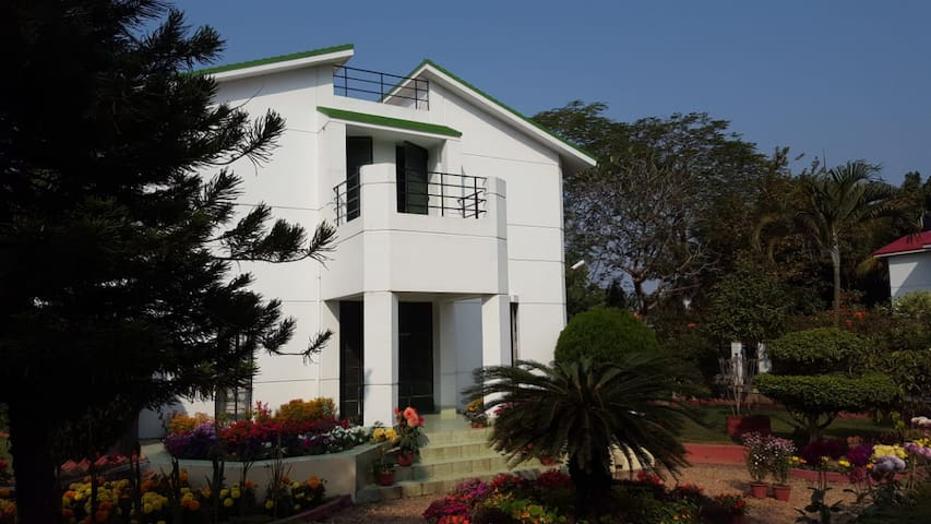 Riddhi Garden Villa Santiniketan