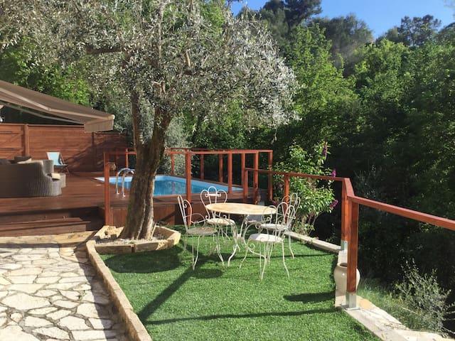 Bas de  villa sur collines de Nice - Colomars - Haus