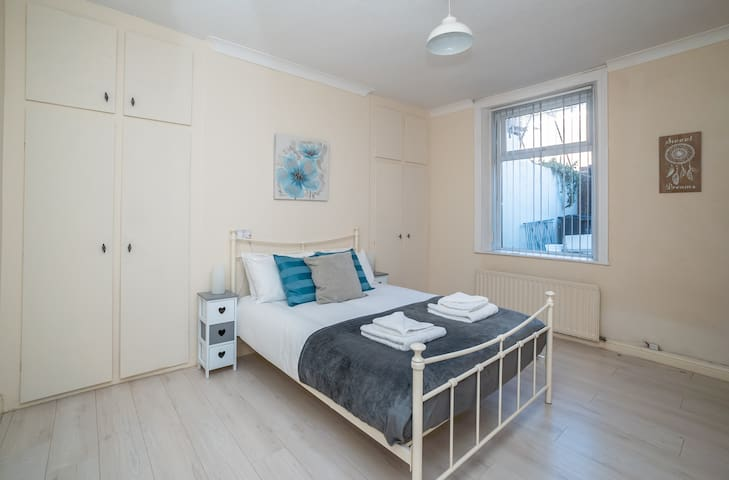 Beautiful Marine Park 2 Bedroom Apartment South Shields