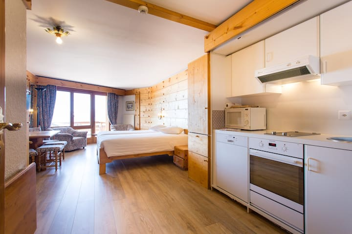Suite in Hotel Bristol Villars (Renovated Oct 17)