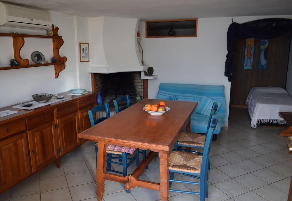Mit über 45 qm bietet die Wohnung ausreichend Platz, um entspannte Ferien zu verbringen. Hinzu kommt der Außenbereich mit Terrasse