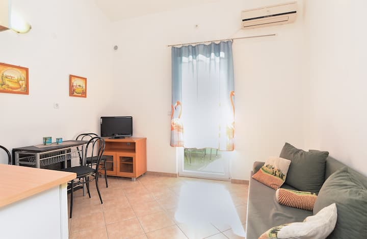 """""""1989"""" Apartment for 3 persons- app2"""