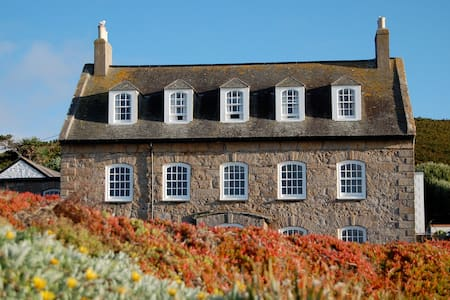 Newman House - St Mary's, Scilly